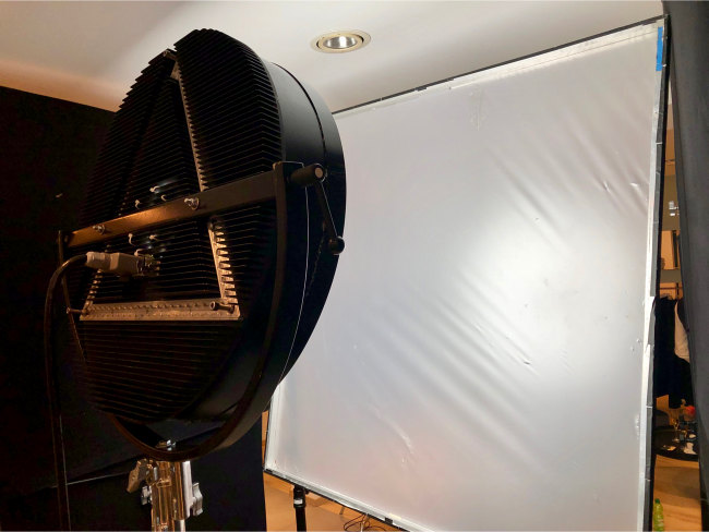 LED Filmscheinwerfer, bouncing, continuous led lighting